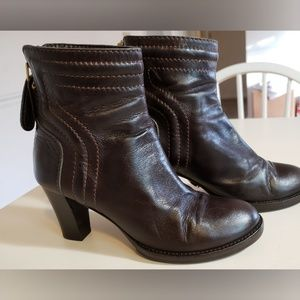 CHLOE Leather Back Zip Trapunto Ankle Boots 6